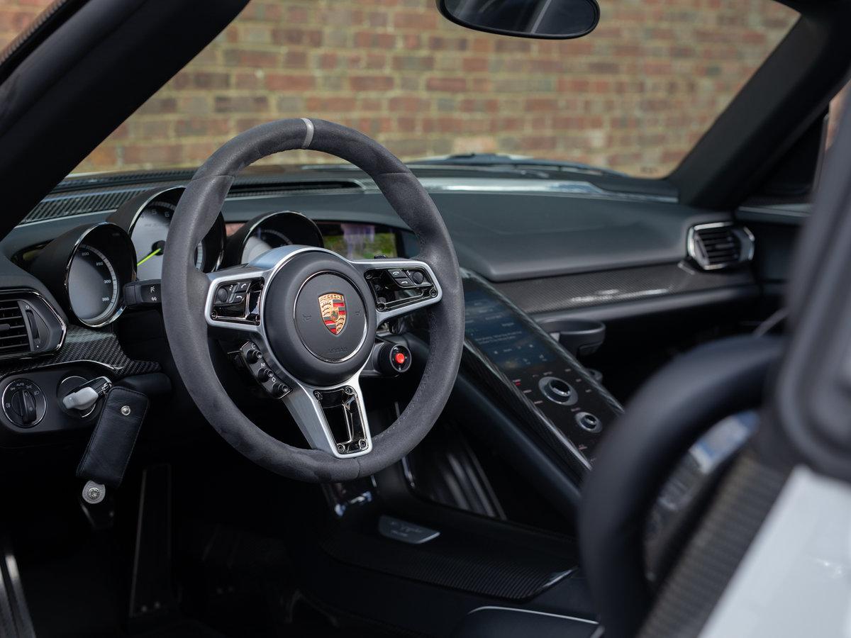 2015 Porsche 918 Spyder Weissach For Sale (picture 4 of 6)
