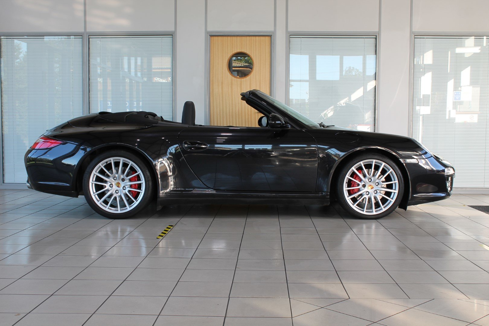 2009 Porsche 911 (997) 3.8 C4S PDK Cabriolet For Sale (picture 3 of 6)
