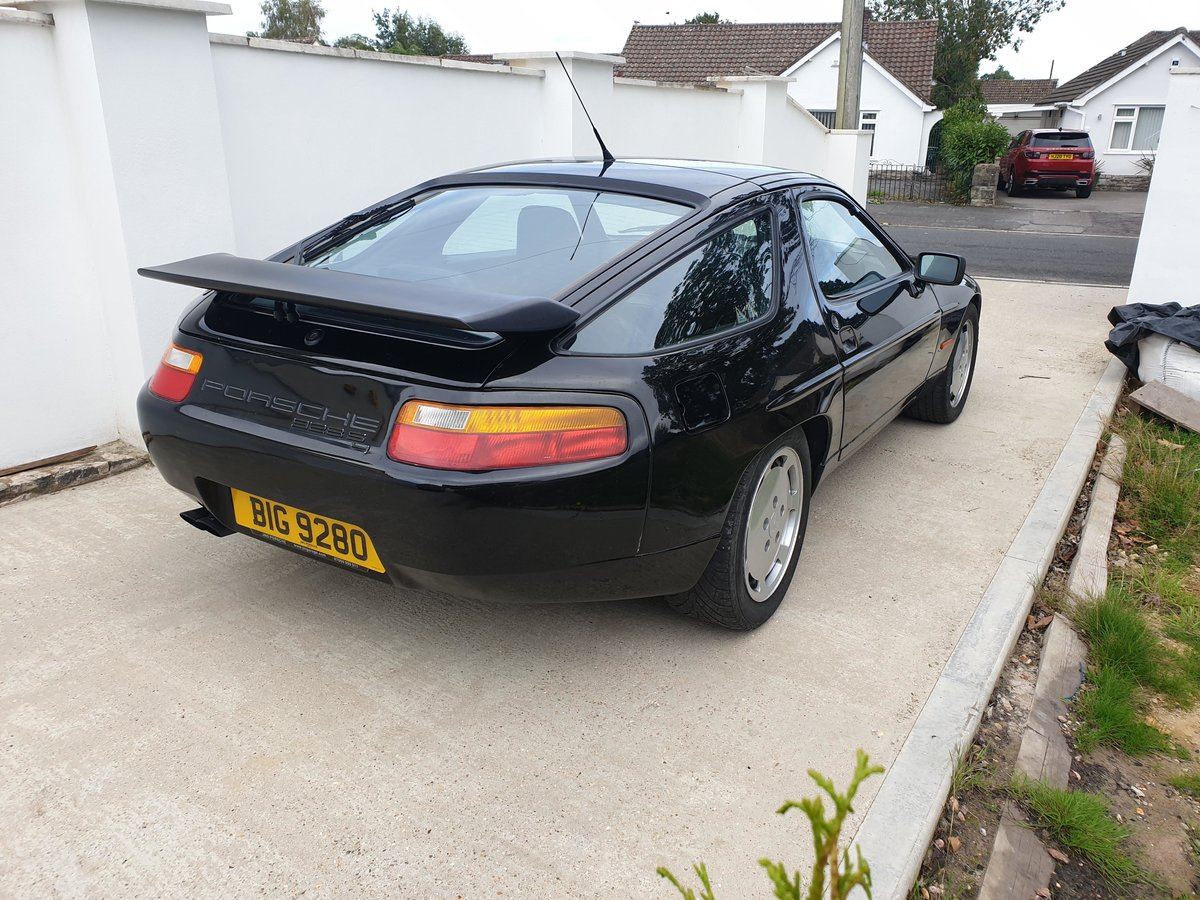 1991 Stunning Triple Black Low Owner Porsche 928 S4 FSH For Sale (picture 3 of 6)
