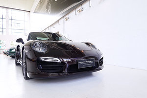 991 Turbo in rare Mahogany Metallic, lots of options, low km