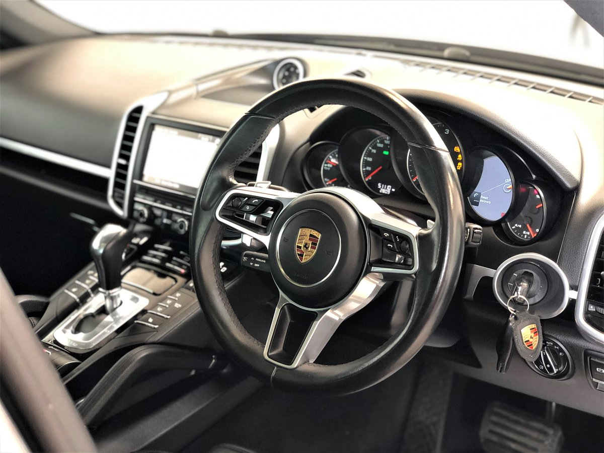 2016 Porsche (958) Cayenne 3.0D SOLD (picture 2 of 6)