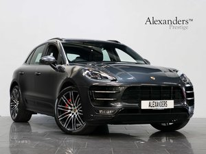 17 17 PORSCHE MACAN TURBO PERFORMANCE 3.6T PDK