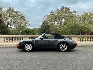 911 (993) Cabriolet C4 in Aventura Green
