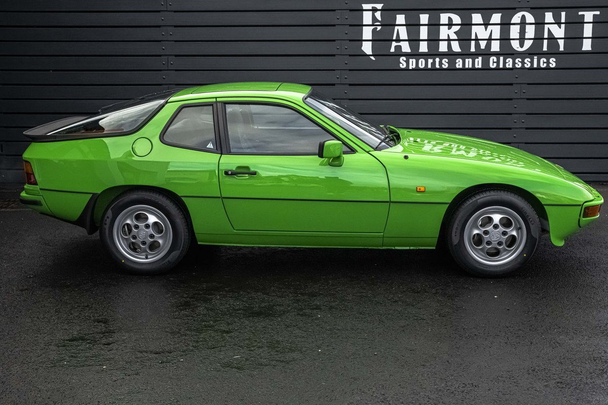 1988 Porsche 924S Signal Green 27k Miles SOLD (picture 3 of 15)