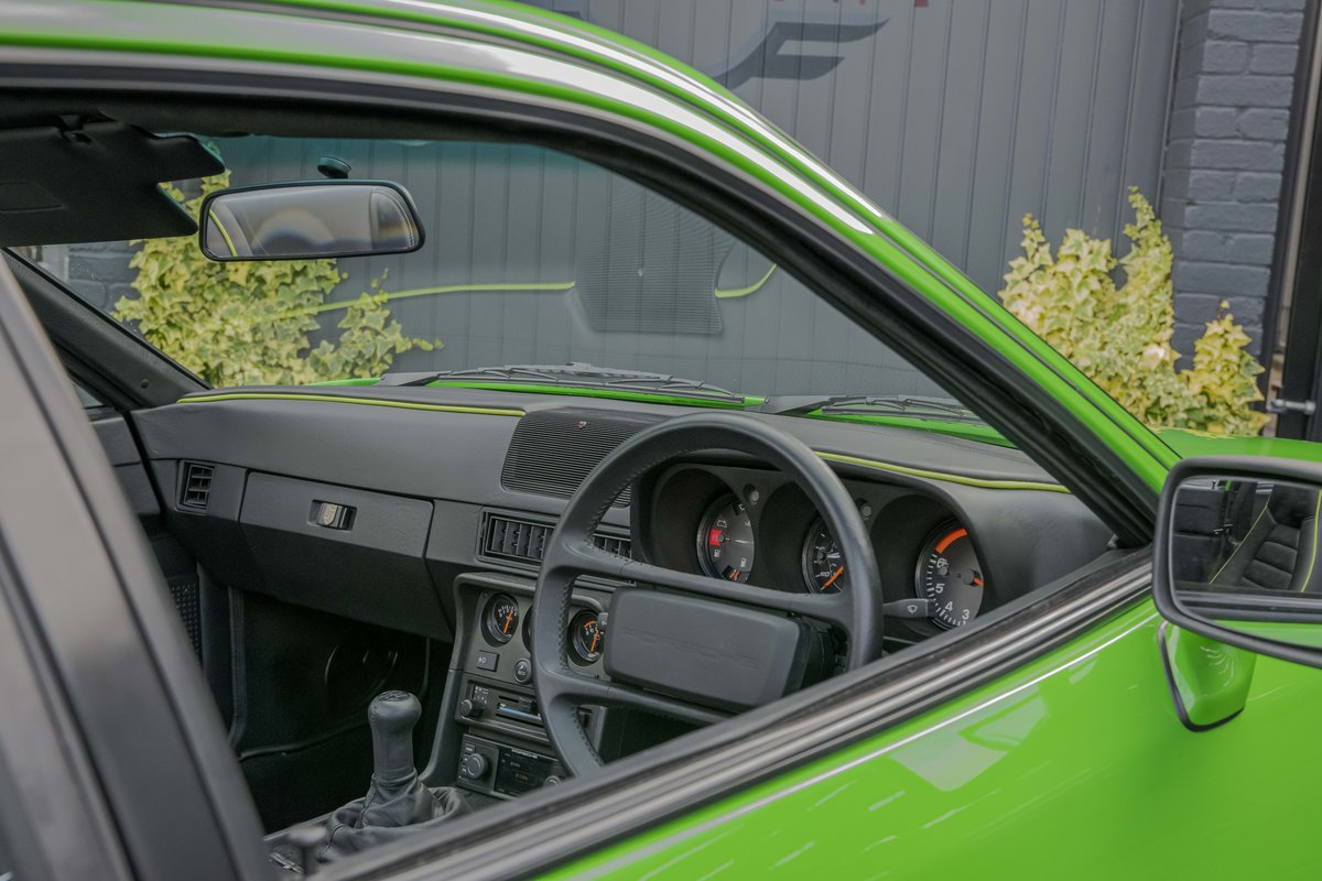 1988 Porsche 924S Signal Green 27k Miles SOLD (picture 9 of 15)
