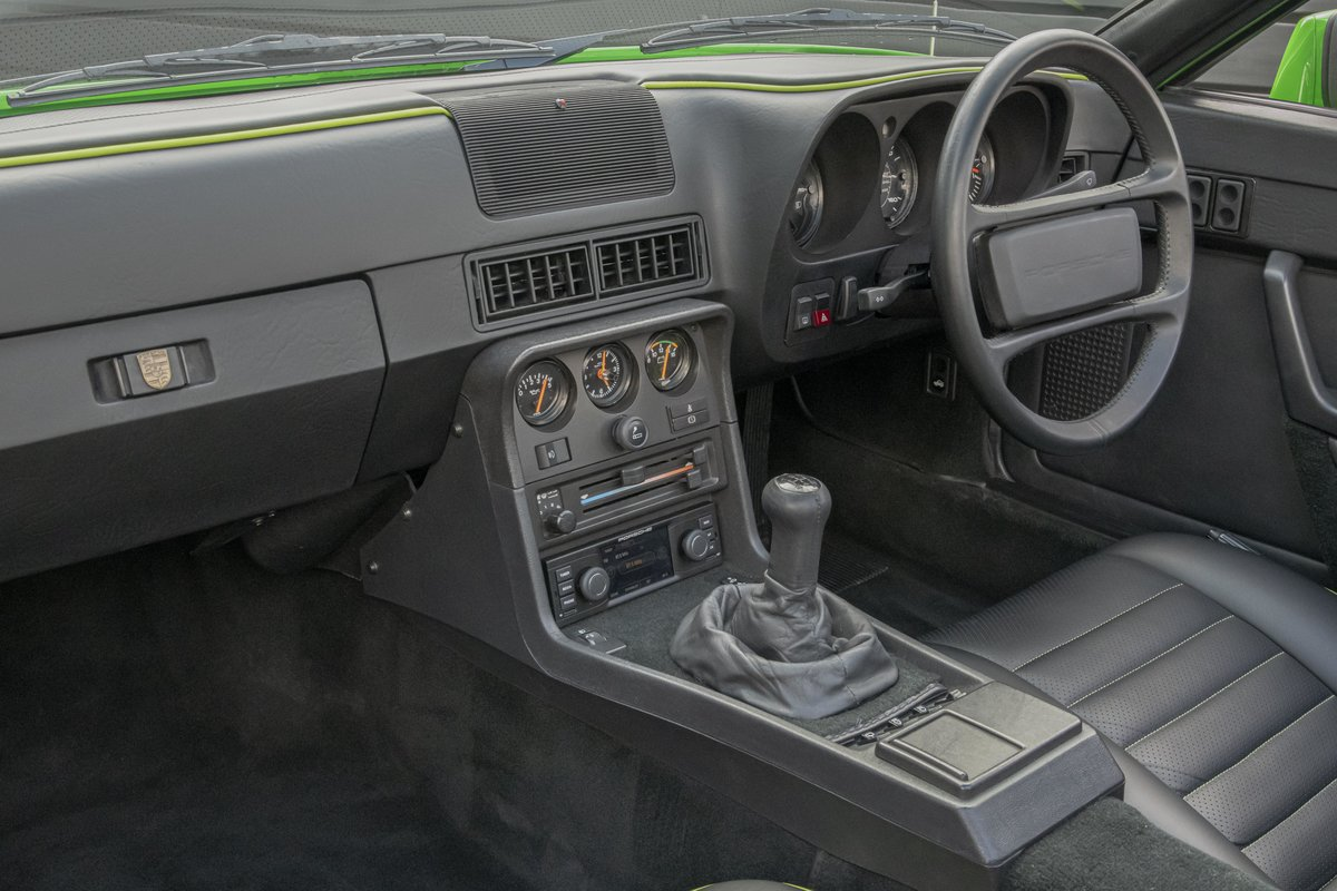 1988 Porsche 924S Signal Green 27k Miles SOLD (picture 10 of 15)