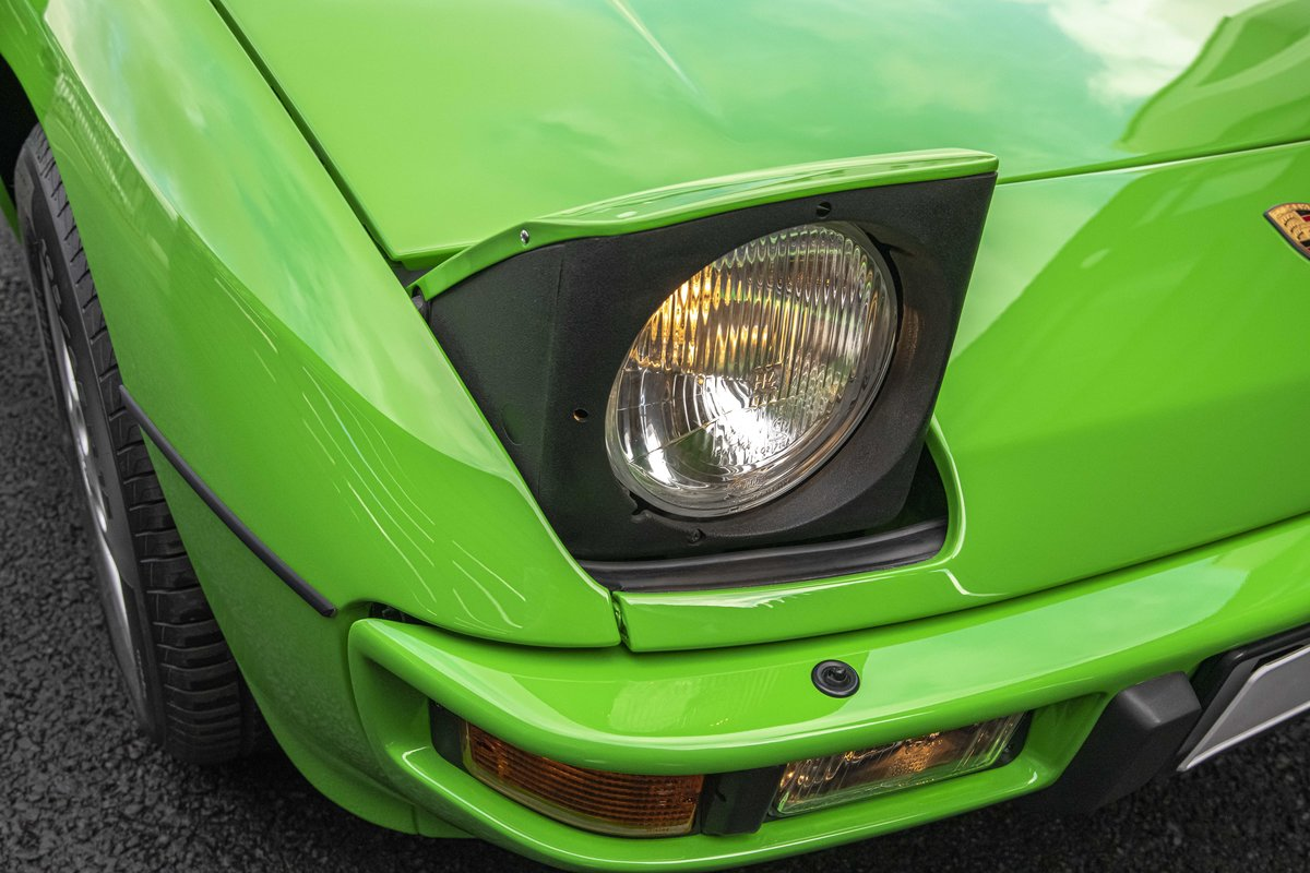 1988 Porsche 924S Signal Green 27k Miles SOLD (picture 11 of 15)