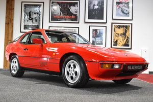 Picture of 1986 REMARKABLE 924 S ! ONLY 37K ! ONE OF THE FINEST AVAILABLE ! For Sale