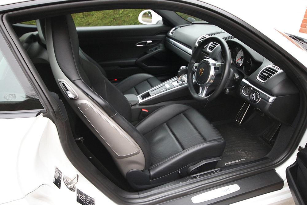 Porsche Cayman, 2016 (981) PDK, White, Semi Auto 4,300 Miles For Sale (picture 3 of 6)