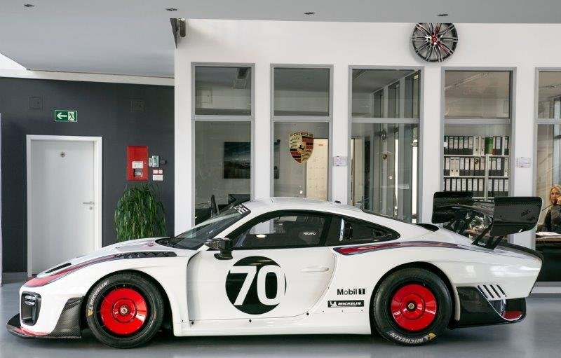 2019 Porsche 911 935 Moby Dick Race Car 1 of 77 World Wide For Sale (picture 6 of 12)