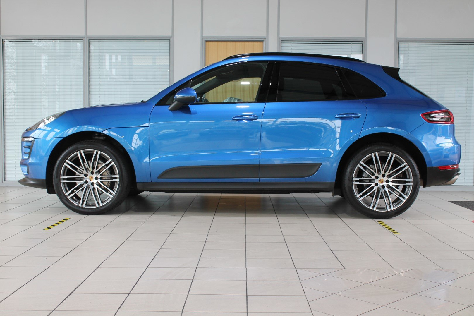 2016 Porsche Macan 3.0 S - NOW SOLD - MORE REQUIRED For Sale (picture 2 of 12)