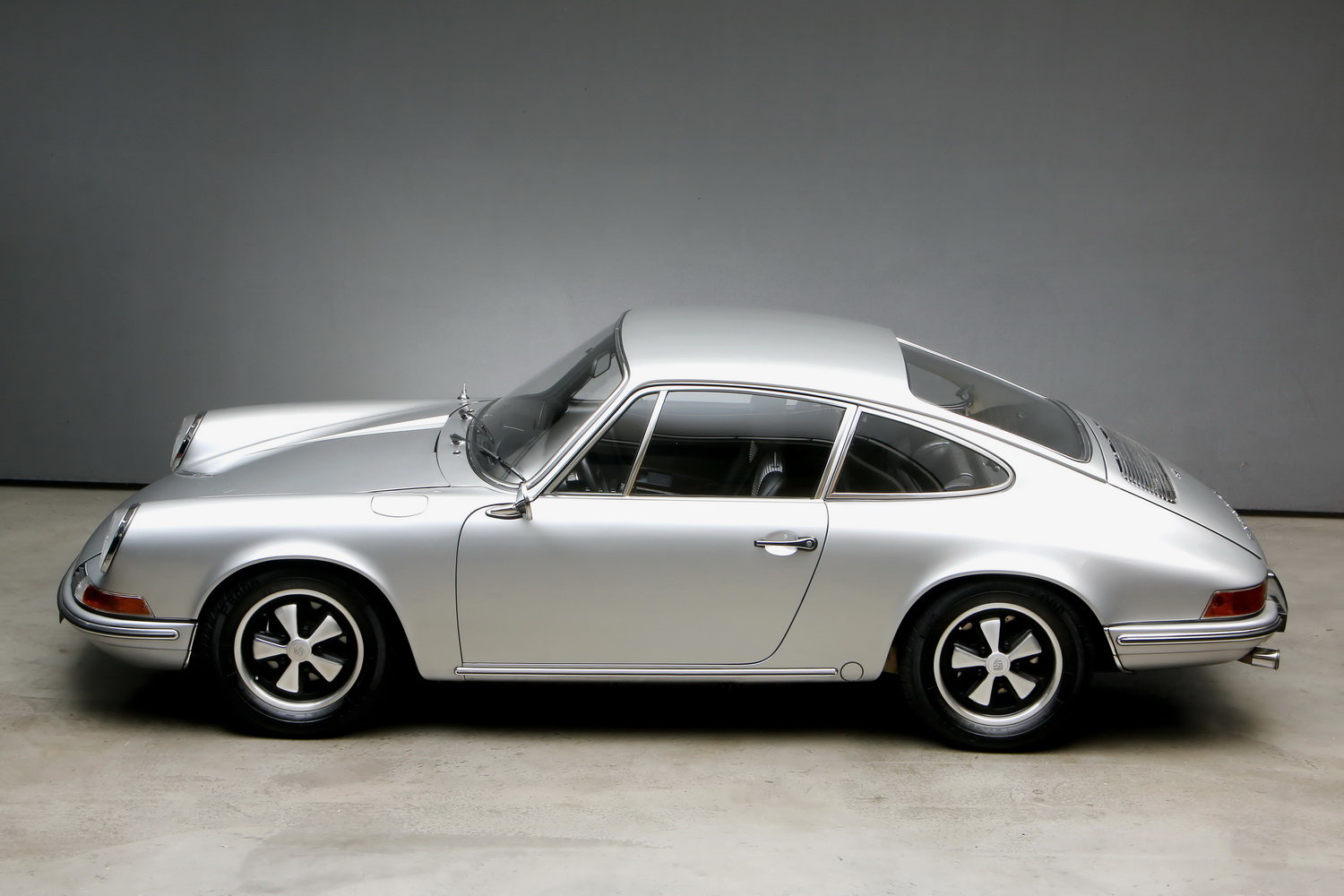 1970 911T 2.2 Ltr. Coup - Individualumbau - For Sale (picture 6 of 12)