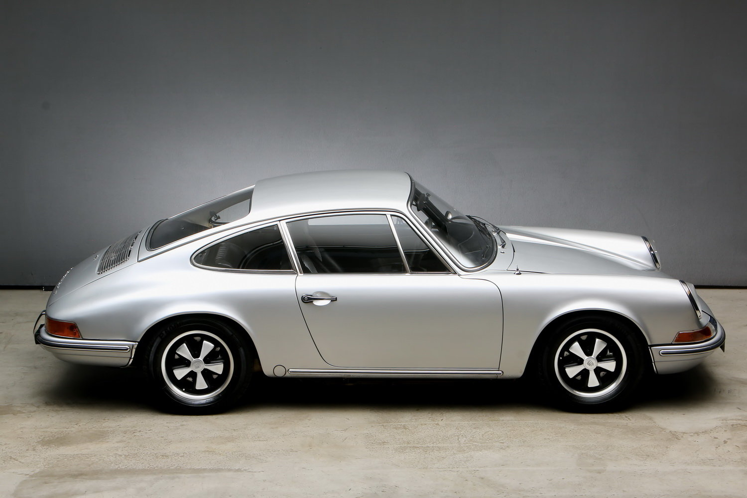 1970 911T 2.2 Ltr. Coup - Individualumbau - For Sale (picture 7 of 12)