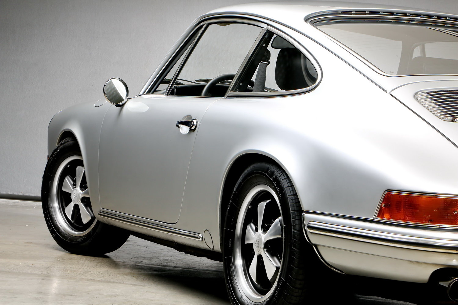 1970 911T 2.2 Ltr. Coup - Individualumbau - For Sale (picture 10 of 12)