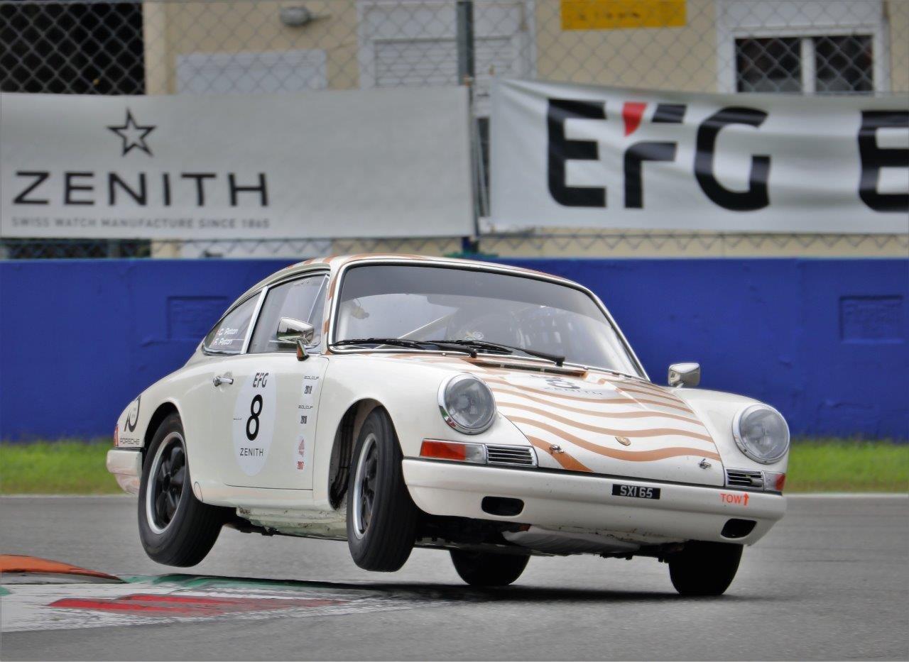 1965 Porsche 911 2.0 FIA Racecar For Sale (picture 5 of 12)