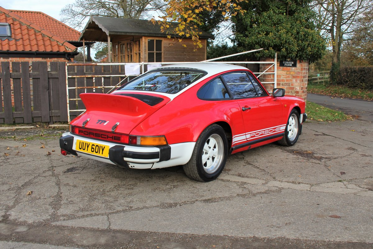 1983 Porsche 911 SC SOLD (picture 6 of 19)