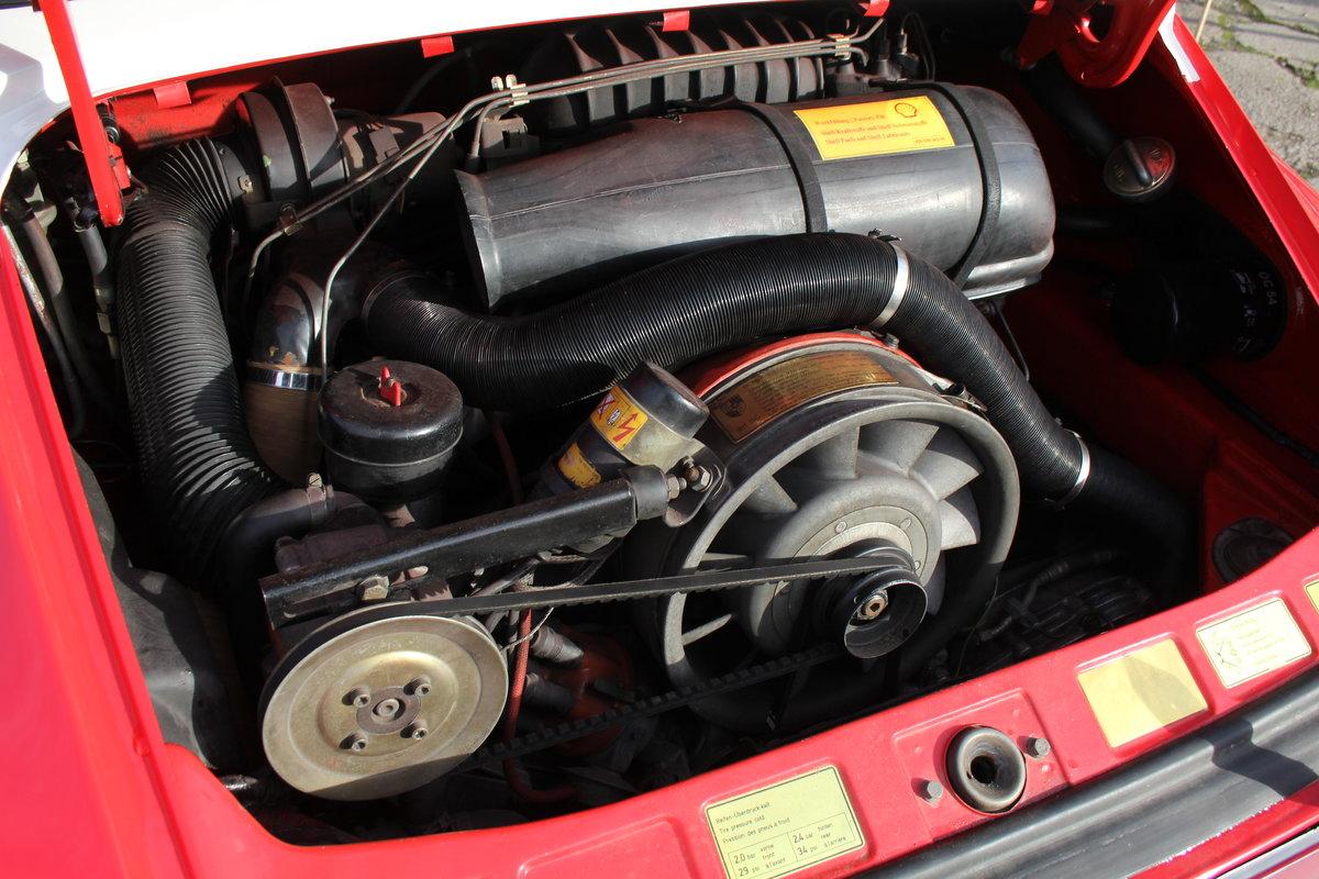 1983 Porsche 911 SC SOLD (picture 13 of 19)