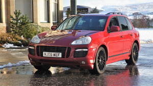 Picture of 2008 Porsche cayenne 4.8 gts super rare 6 speed manual