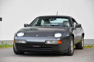 Picture of 1989 manual Porsche 928 S4 with complete service booklet For Sale