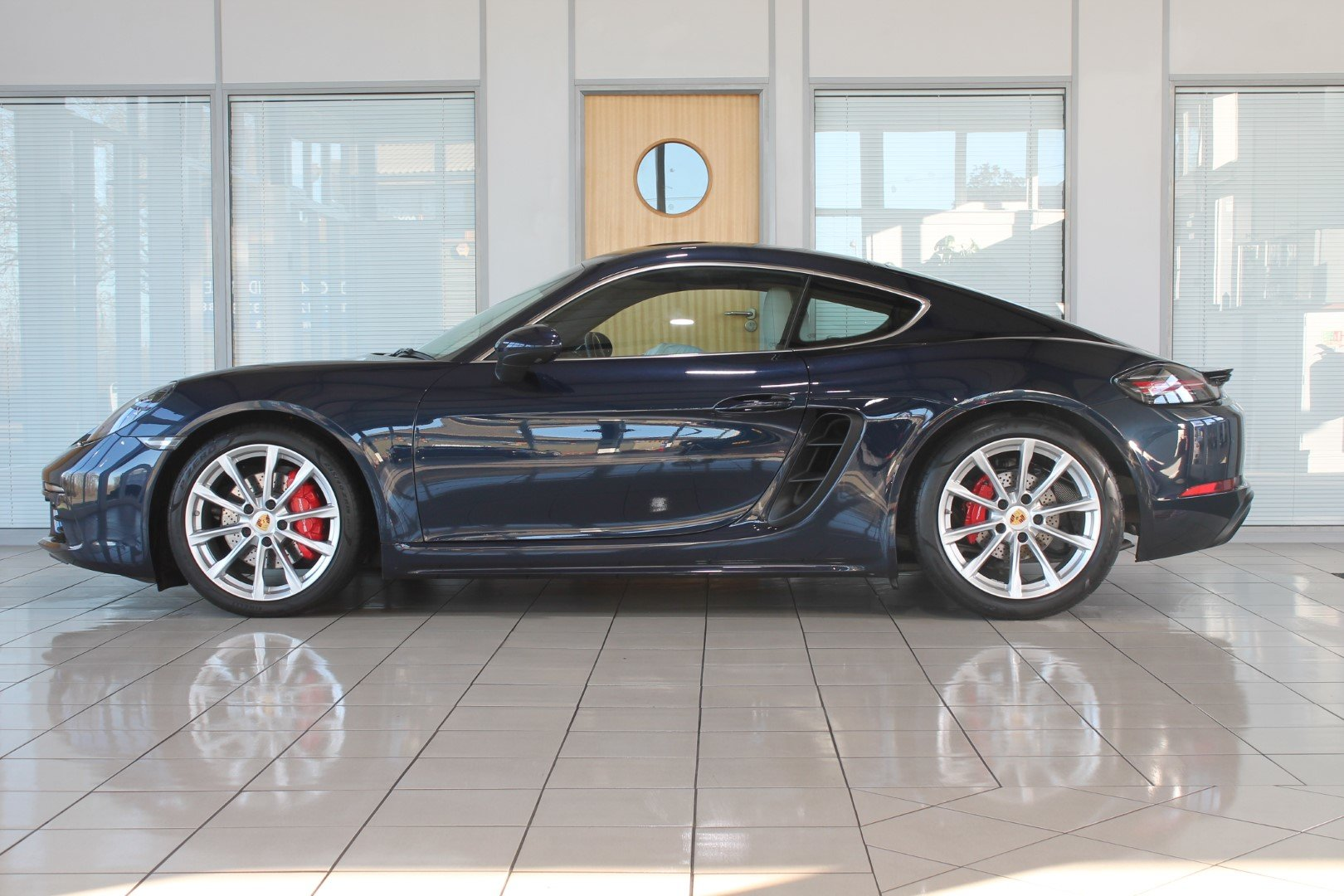 2016 Porsche Cayman (718) 2.5 S PDK - NOW SOLD - MORE REQUIRED For Sale (picture 2 of 12)