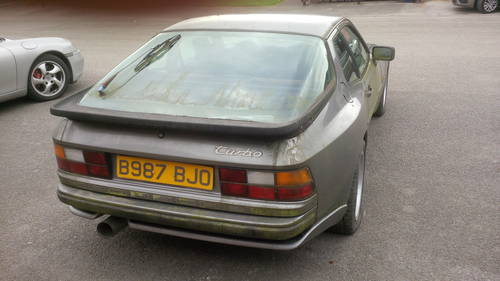 1985 Porsche 944 Turbo series 1 lhd non sunroof For Sale (picture 2 of 4)