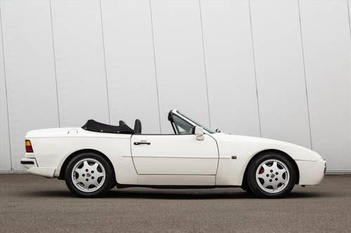 1990 PORSCHE 944 S2 Convertible-23 SERVICE STAMPS SOLD (picture 2 of 6)