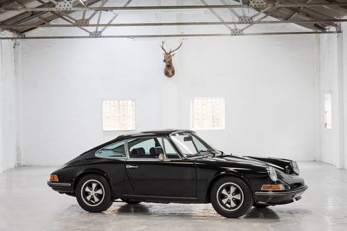1969 Porsche 911T 2.0 Non-Sunroof Black SOLD (picture 1 of 6)