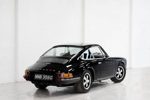1969 Porsche 911T 2.0 Non-Sunroof Black SOLD (picture 3 of 6)