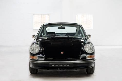 1969 Porsche 911T 2.0 Non-Sunroof Black SOLD (picture 4 of 6)