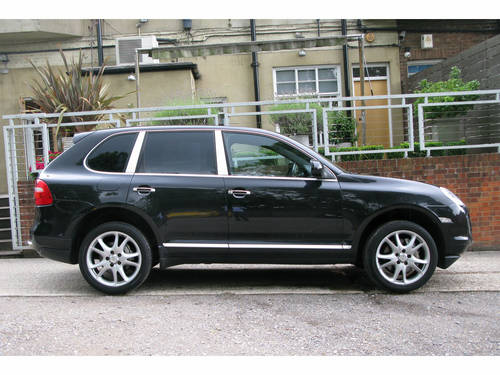 2008 PORSCHE CAYENNE S TIPTRONIC (BLACK METALLIC) For Sale (picture 2 of 6)