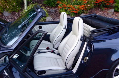 1990 Porsche 911-964 C2 Cabriolet, Manual, Concours winner SOLD (picture 3 of 6)