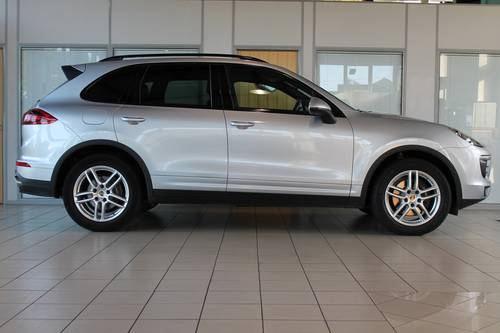 2014/64 Porsche Cayenne 3.0D V6 Tiptronic S SOLD (picture 4 of 6)