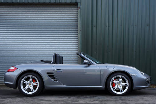 2005 Porsche Boxster 3.2 S manual, 52k, Grey, FSH, OPC Warranty. SOLD (picture 2 of 6)