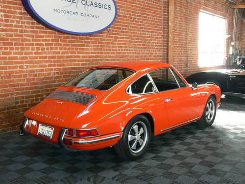 1969 Porsche 911T Coupe SOLD (picture 2 of 6)