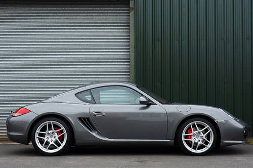 Porsche Cayman and Boxsters - WANTED FOR STOCK Wanted (picture 1 of 6)