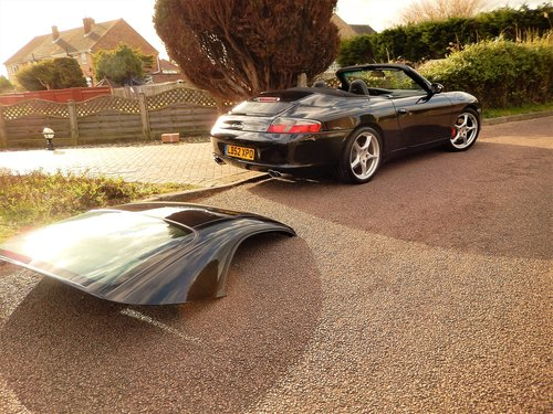 2002 LHD 996 Carrera 2 convertiblr 3.6 manual LOW MILEAGE --  SOLD (picture 2 of 6)