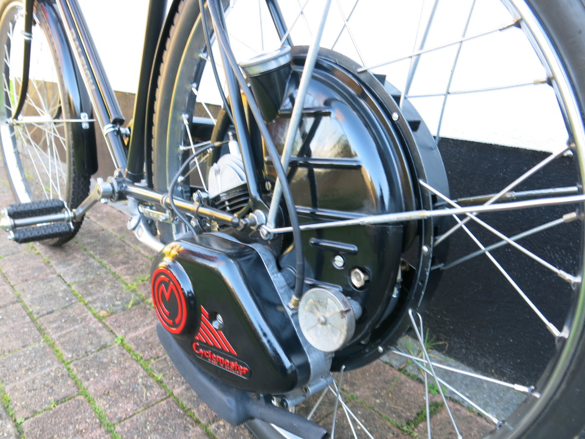1951 Raleigh / Cyclemaster - absolutely beautiful SOLD (picture 3 of 6)
