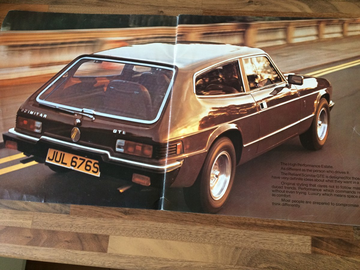 Reliant Scimitar brochure and spec sheet. For Sale (picture 2 of 6)