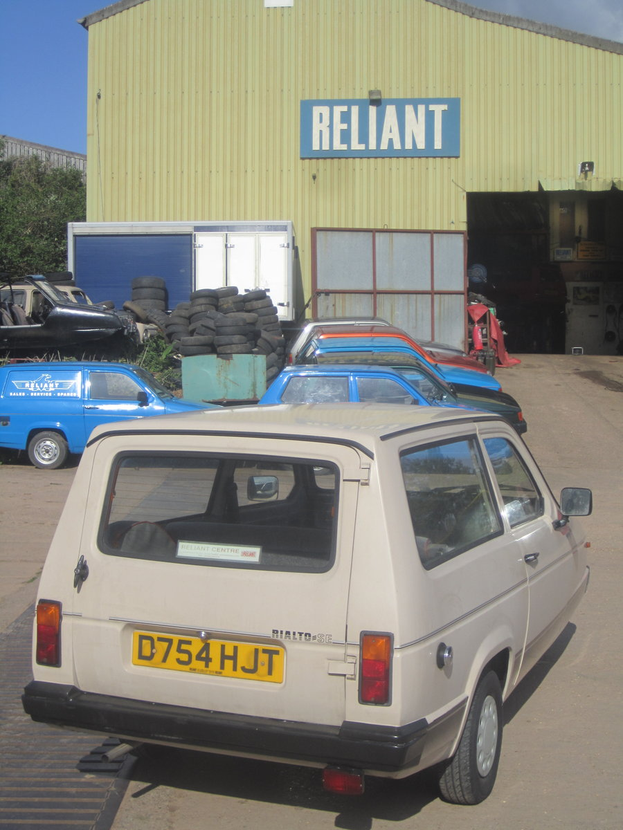 1987 Reliant Rialto estate  , 2 owners , low miles SOLD (picture 4 of 6)