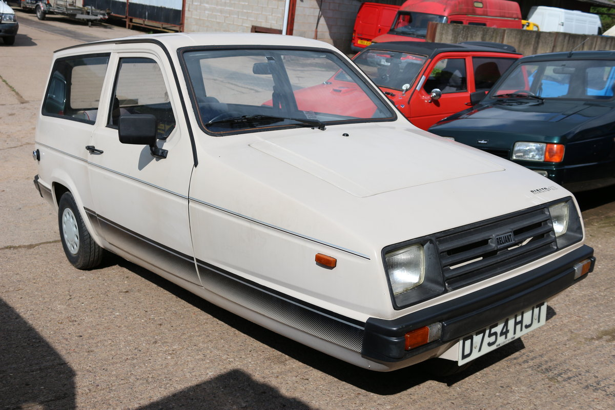 1987 Reliant Rialto estate  , 2 owners , low miles SOLD (picture 6 of 6)