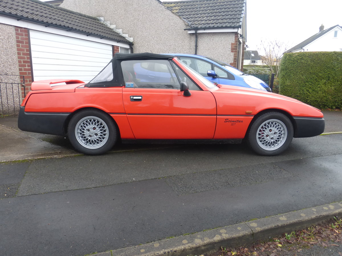 1991 Reliant Scimitar SST18ti Flame Red For Sale (picture 5 of 6)