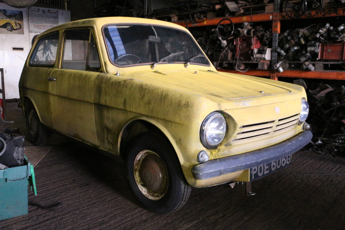 1971 Reliant Rebel saloon 700  tax mot  exempt For Sale (picture 1 of 5)