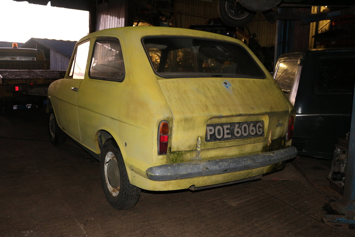 1971 Reliant Rebel saloon 700  tax mot  exempt For Sale (picture 2 of 5)