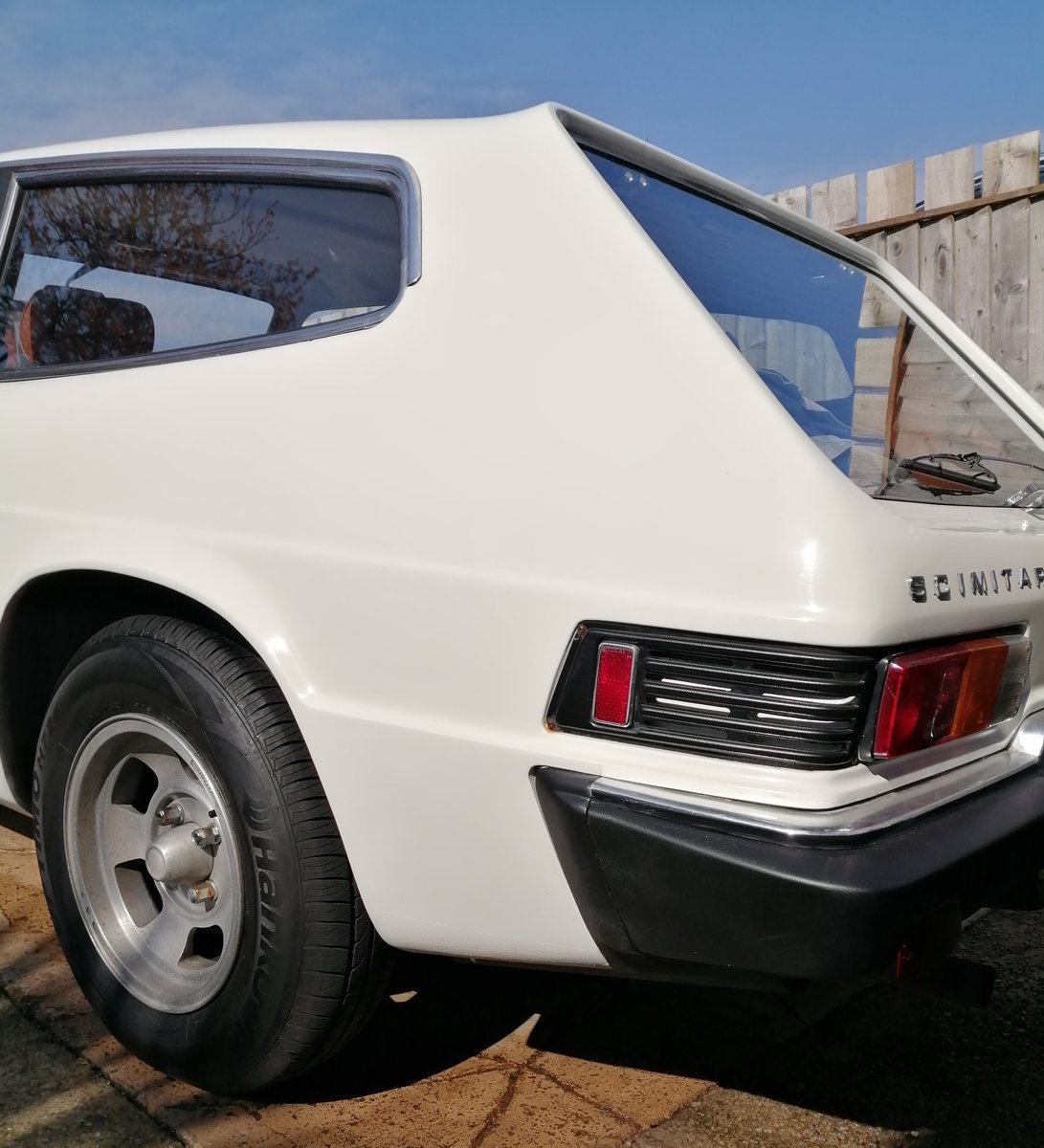 1976 Reliant Scimitar GTE 6 very low mileage SOLD (picture 3 of 6)