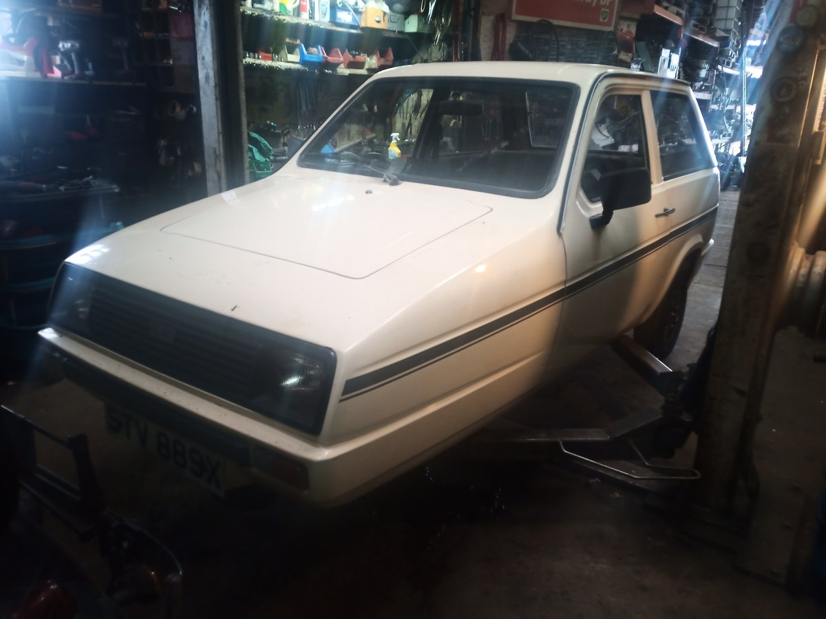1982 Reliant Rialto saloon  nearly taxd MOT exempt threewheeler For Sale (picture 1 of 4)