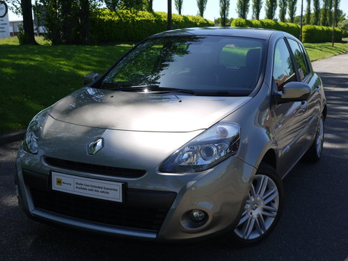 2011 Renault Clio 1.6 VVT Initiale Auto 5dr ****TOP OF THE RANGE* SOLD (picture 2 of 6)
