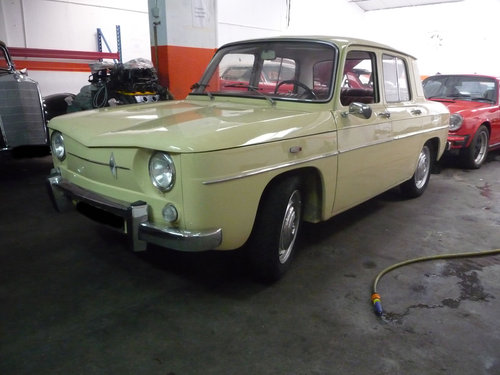 Renault 8 1st series 1962 For Sale (picture 1 of 6)