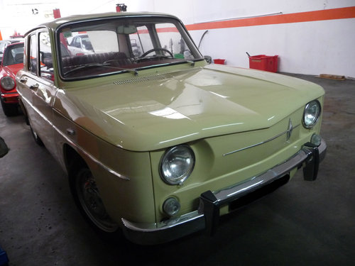 Renault 8 1st series 1962 For Sale (picture 2 of 6)