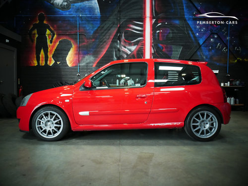 2005 Renault Sport Clio 182 Trophy X65 2.0 16V Capsicum Red SOLD (picture 2 of 6)