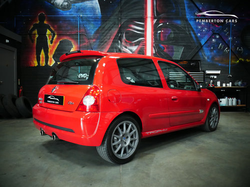 2005 Renault Sport Clio 182 Trophy X65 2.0 16V Capsicum Red SOLD (picture 4 of 6)